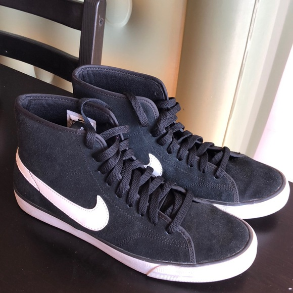 5bd482c013 NIKE Primo Court Mid Suede Women s Sneakers US 9. M 5b4a239bf63eeac9a88aa4ef